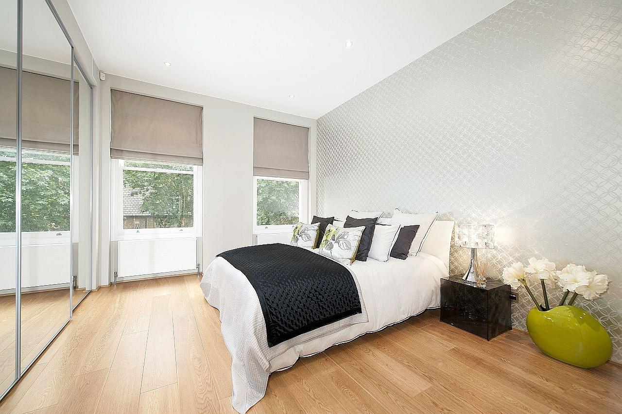 carousel-1-southwell-gardens-flat3-master-bedroom